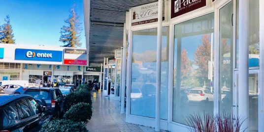 EXCELENTE LOCAL COMERCIAL EN ARRIENDO , STRIP CENTER , LA DEHESA .